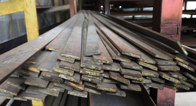 Ferro chato aço