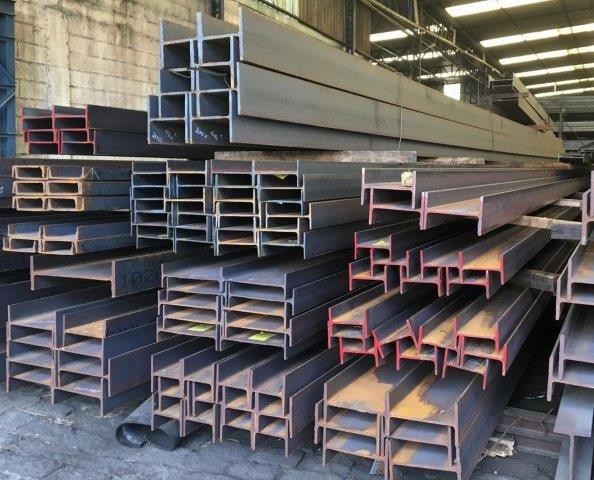 Perfil de aço carbono